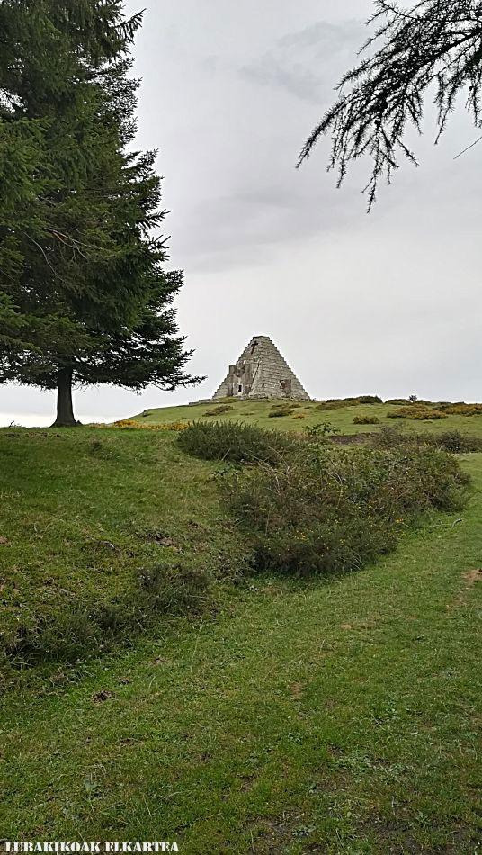 La Pirámide de los Italianos - 02